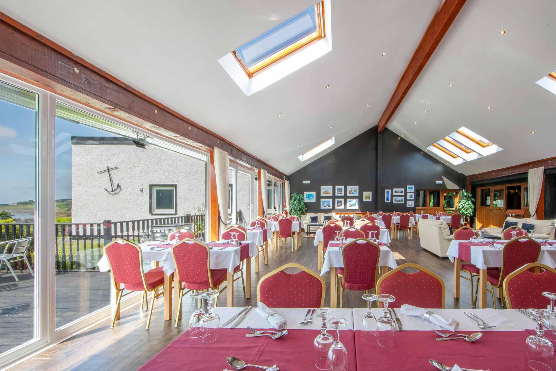 web-1Z6E8958 dining room